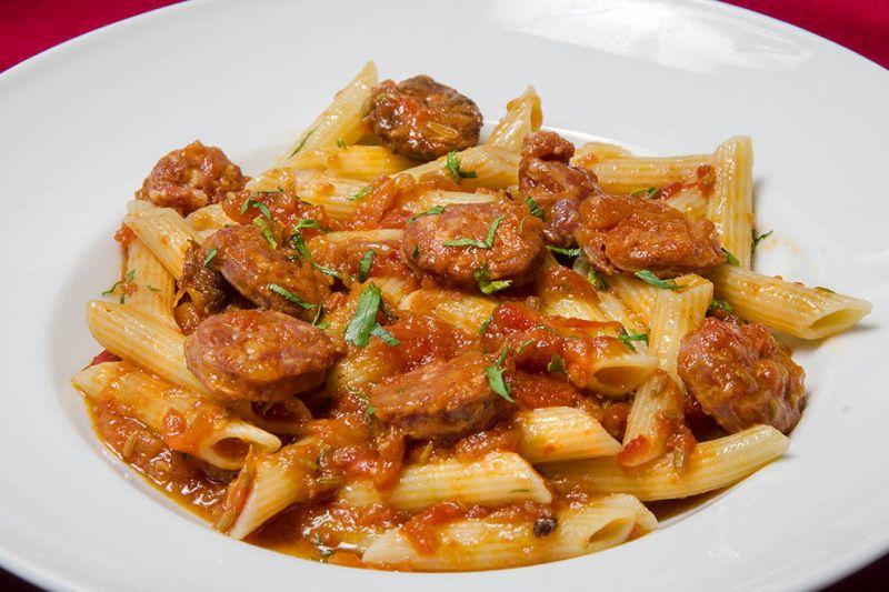 Penne rigate à la saucisse italienne pimentée